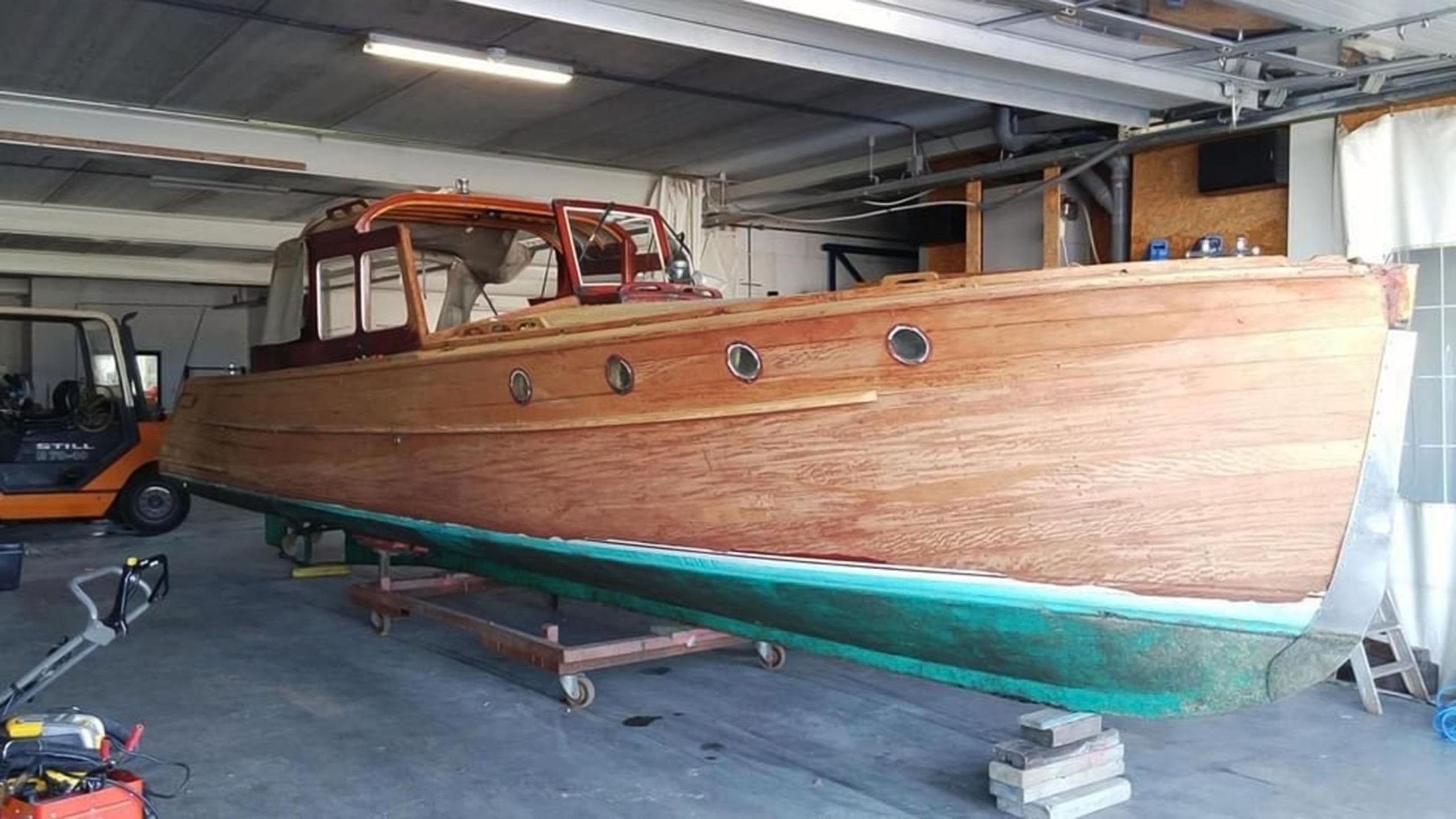 Jachtschilder Friesland-jacht-houten-boot-sloep-Coelan-bootlak-jachtlak-classic-yacht-painters
