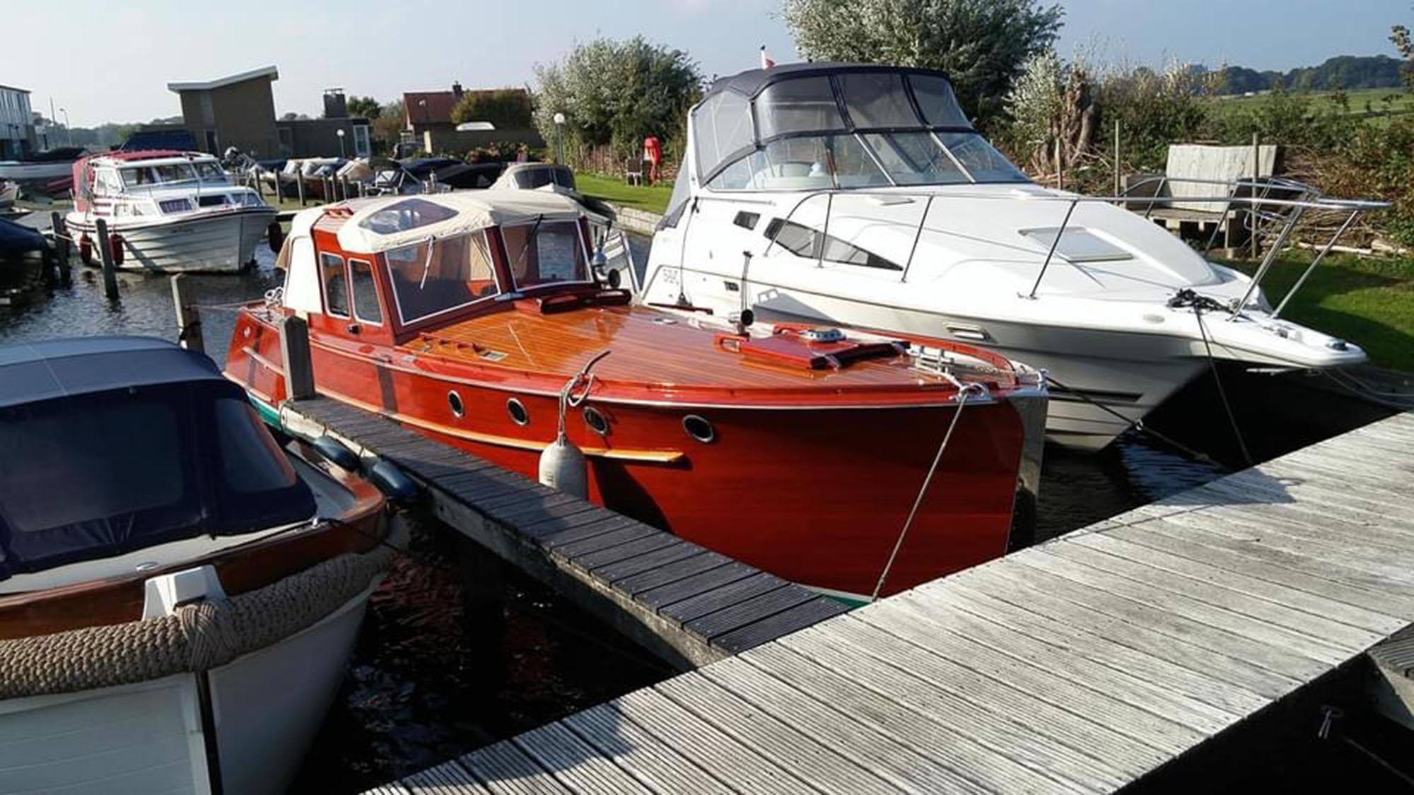 Jachtschilder Friesland-jacht-houten-boot-sloep-Coelan-bootlak-classic-yacht-painters-Hendrik Veltman5