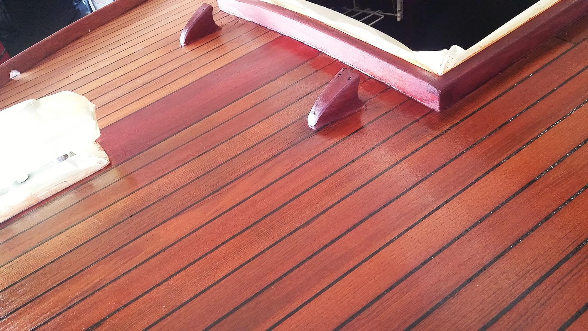 Jachtschilder Friesland-jacht-houten-boot-sloep-Coelan-bootlak-jachtlak-classic-design-yacht-painters3