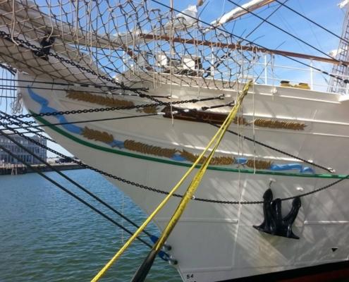 Jachtschilder Friesland-zeiljacht-Shabab Oman II-lakken-bootlak-classic-design-yacht-painters-Hendrik Veltman