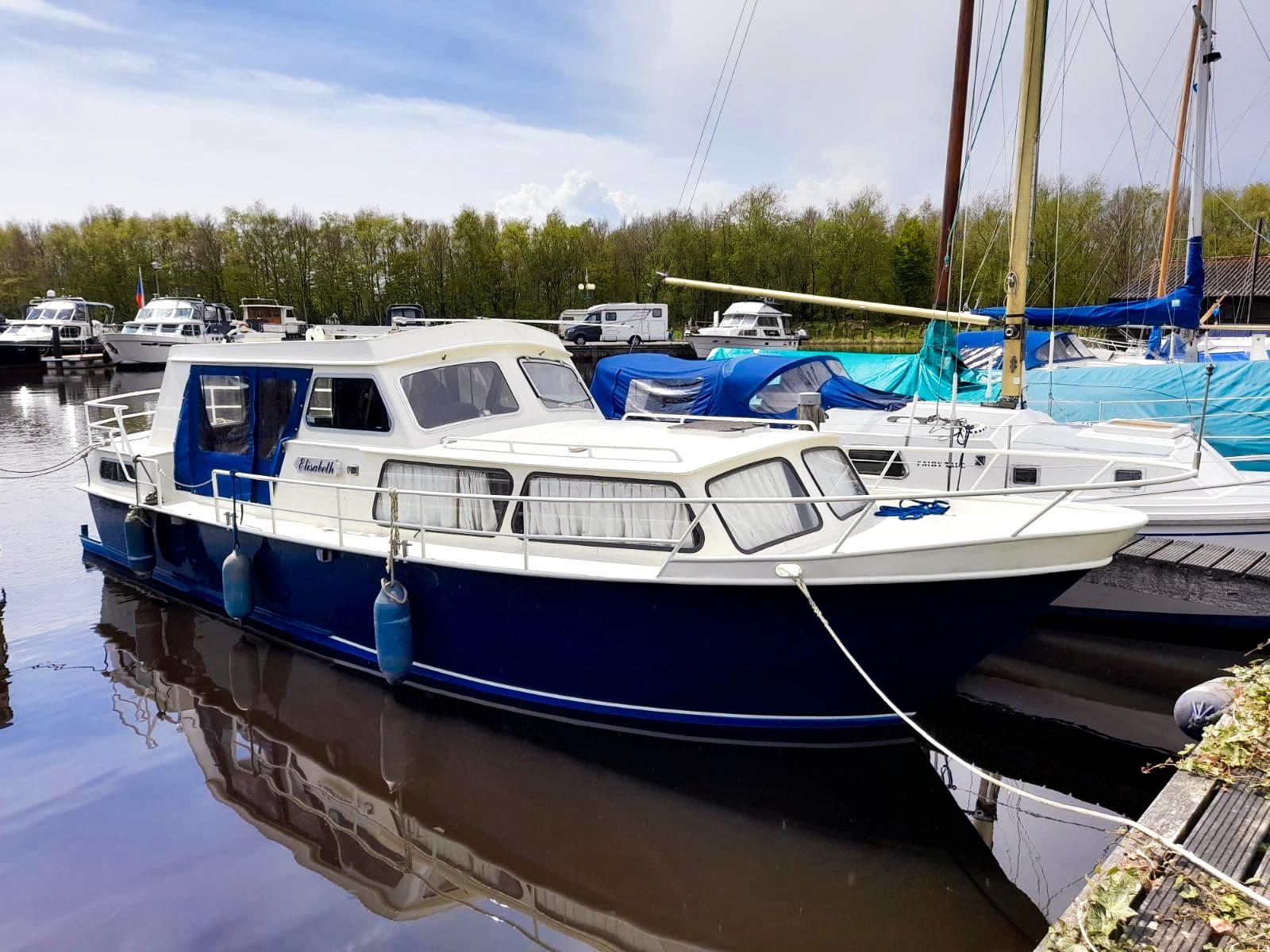 Jachtschilder Friesland-jacht-houten-boot-sloep-Epoxy-bootlak-jachtlak-classic-yacht-painters-Hendrik Veltman-Elizabeth